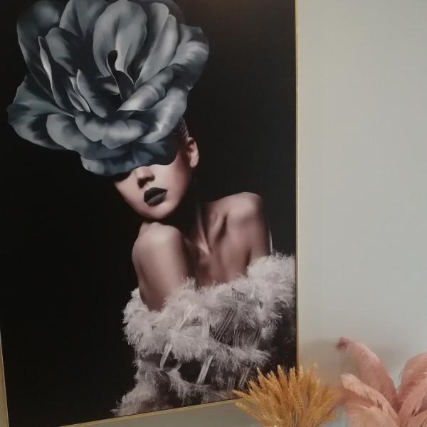 Картина в раме Blue Rose- girl-15018